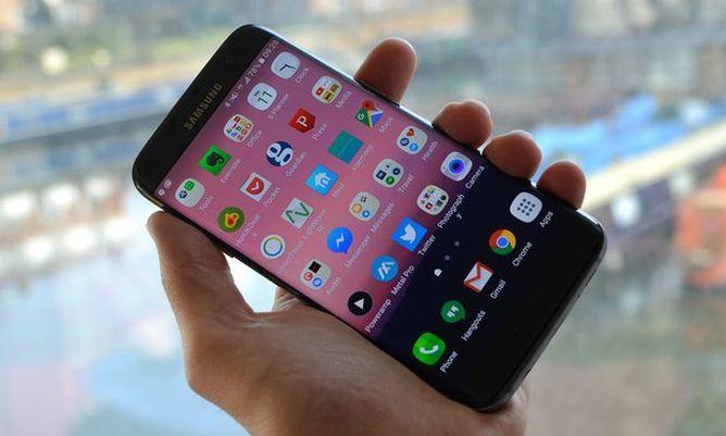 Crna pozadina na ekranu štedi bateriju telefona?
