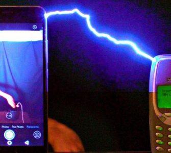 Veliki okršaj: Nokia 3310 vs 1.000.000 volti