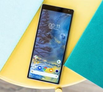 Sony Xperia 10 Plus: Duguljasti displej i 6 GB RAM-a